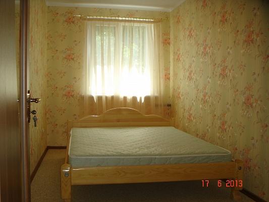 2-комнатная квартира посуточно в Севастополе. Гагаринский район, ул. Ефремова, 18. Фото 1