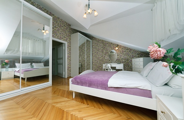 4-комнатная квартира посуточно в Киеве. Печерский район, ул. Городецкого, 17. Фото 1