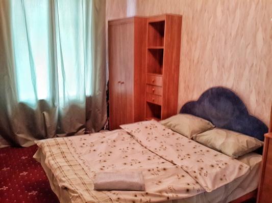 3-комнатная квартира посуточно в Киеве. Шевченковский район, ул. Малая Житомирская, 20в. Фото 1