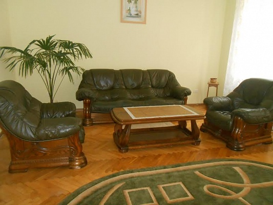 2-комнатная квартира посуточно в Львове. Галицкий район, ул. Тиктора, 3. Фото 1