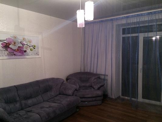 2-комнатная квартира посуточно в Запорожье. Орджоникидзевский район, ул. 12-го Апреля, 27. Фото 1