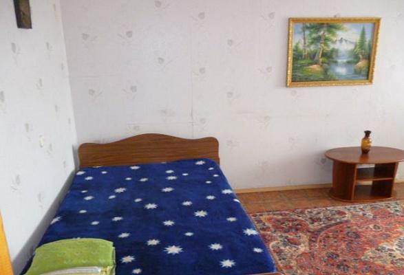 1-комнатная квартира посуточно в Керчи. ул. Свердлова, 35. Фото 1