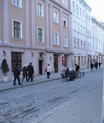 1-комнатная квартира посуточно в Львове. Галицкий район, ул. Краковская, 9. Фото 1