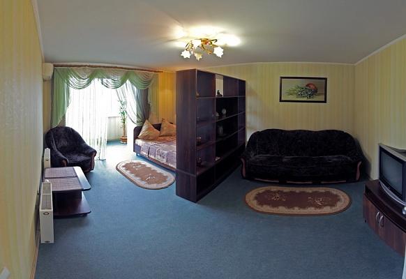 1-комнатная квартира посуточно в Николаеве. Центральный район, ул. Шевченко, 29. Фото 1