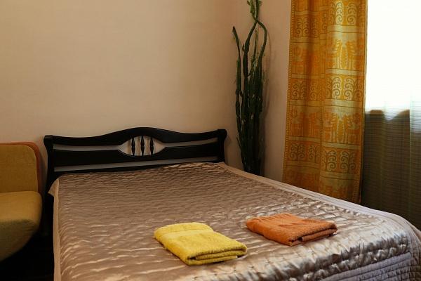 1-комнатная квартира посуточно в Львове. Галицкий район, ул. Братьев Рогатинцев, 12. Фото 1