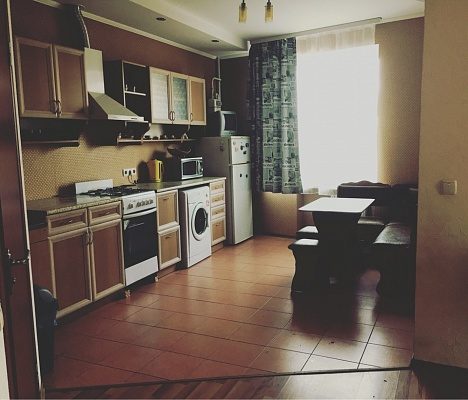 2-комнатная квартира посуточно в Полтаве. Киевский район, ул. Октябрьская, 57. Фото 1