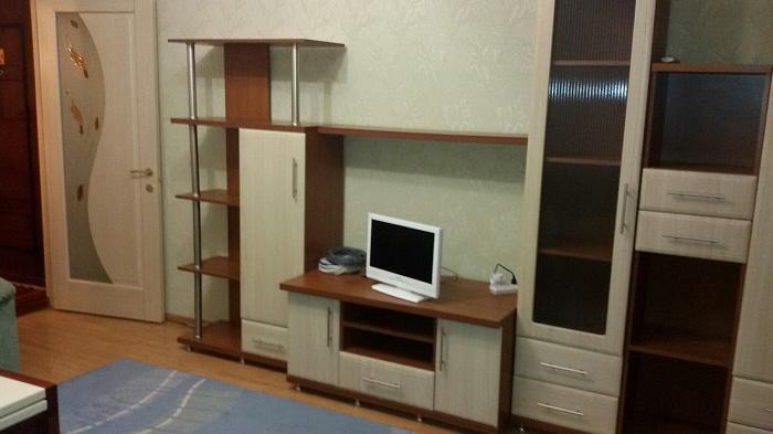 3-комнатная квартира посуточно в Кузнецовске. мкр. Строителей, 9. Фото 1