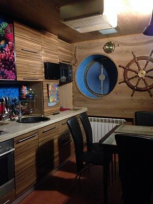 1-комнатная квартира посуточно в Днепропетровске. Кировский район, пр. Кирова, 96а. Фото 1