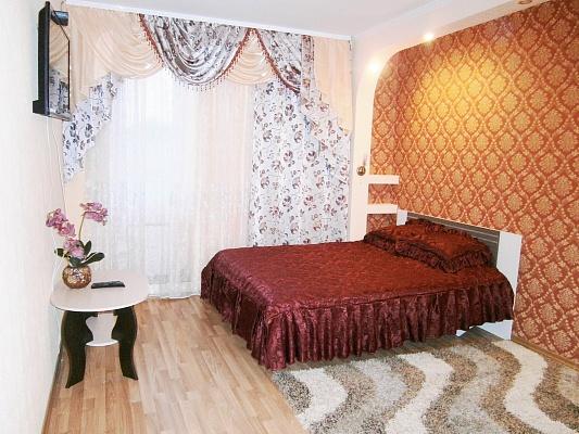 1-комнатная квартира посуточно в Кировограде. Кировский район, ул. Шульгиных, 44. Фото 1