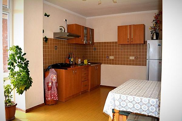 2-комнатная квартира посуточно в Новом свете. Голицына 12 квартира 5, Голицына 12 квартира 5. Фото 1