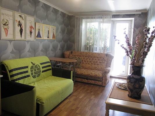 2-комнатная квартира посуточно в Одессе. Киевский район, ул. Варненская, 15/Б. Фото 1