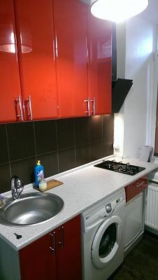 2-комнатная квартира посуточно в Житомире. ул. Трояновская, 14. Фото 1