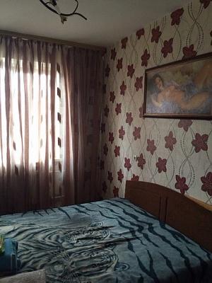 2-комнатная квартира посуточно в Днепродзержинске. б-р Независимости, 13. Фото 1