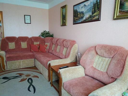 2-комнатная квартира посуточно в Южном (Крым). ул. Химиков, 6. Фото 1