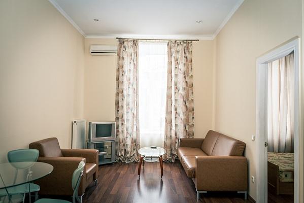 2-комнатная квартира посуточно в Одессе. Приморский район, ул. Греческая, 24. Фото 1
