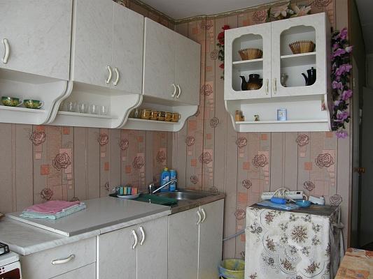2-комнатная квартира посуточно в Южном. ул. Приморская, 11. Фото 1