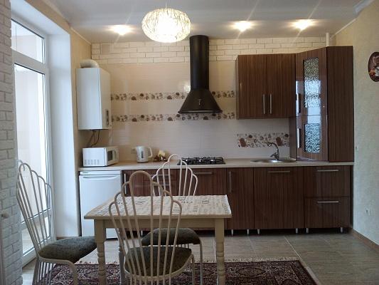 1-комнатная квартира посуточно в Ивано-Франковске. ул. Гарбарська, 24. Фото 1