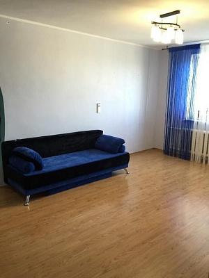 3-комнатная квартира посуточно в Ильичёвске. ул. Данченко, 3б. Фото 1