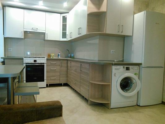 3-комнатная квартира посуточно в Ровно. ул. Киевская, 6. Фото 1