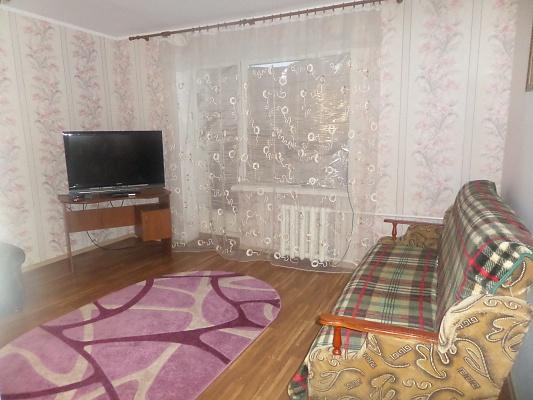 1-комнатная квартира посуточно в Славянске. ул. Фрунзе, 89. Фото 1