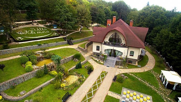 Мини-отель  посуточно в Сваляве. с. Голубиное, ур-ще Завадки, 714А. Фото 1