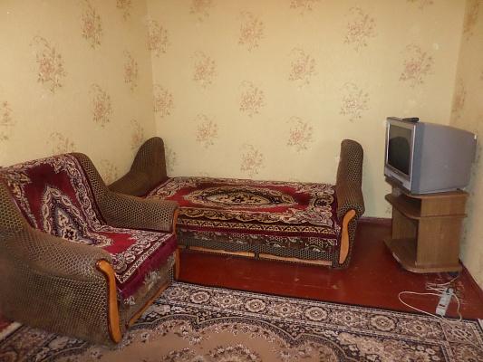 2-комнатная квартира посуточно в Славянске. ул. Батюка, 8а. Фото 1