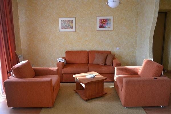 2-комнатная квартира посуточно в Житомире. ул. Хлебная, 39. Фото 1
