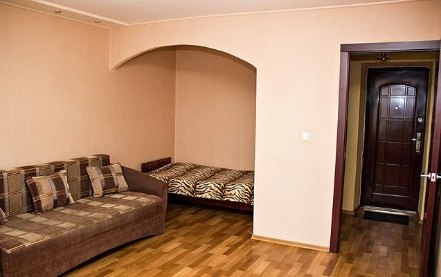 1-комнатная квартира посуточно в Харькове. Краснозаводской район, пр-т Гагарина, 176, корп. 3. Фото 1