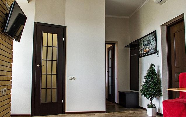1-комнатная квартира посуточно в Харькове. Коминтерновский район, пр-т Маршала Жукова, 39. Фото 1