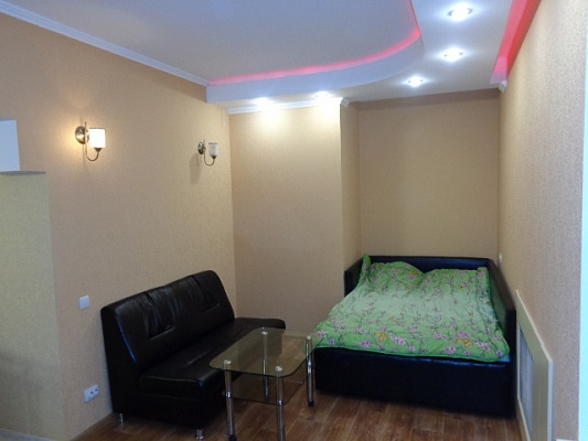 1-комнатная квартира посуточно в Черкассах. ул. Байды Вишневецкого, 48. Фото 1