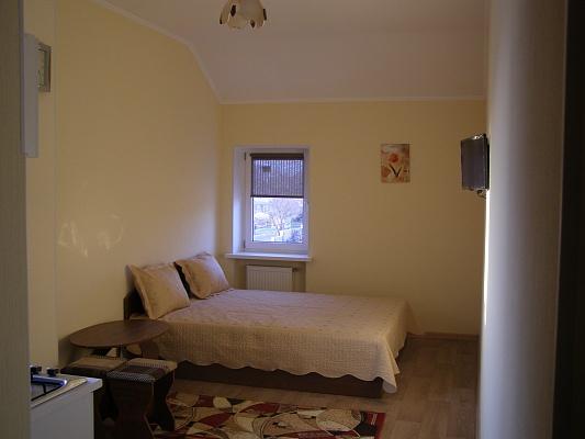 1-комнатная квартира посуточно в Николаевке. ул. 2-ая Продольная, 3. Фото 1
