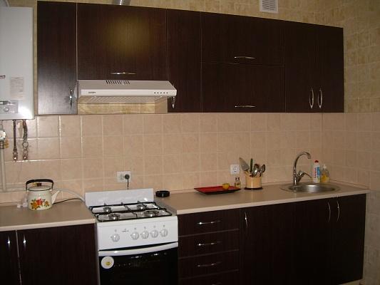 2-комнатная квартира посуточно в Виннице. Ленинский район, ул. Зодчих, 13. Фото 1