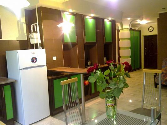 2-комнатная квартира посуточно в Кременчуге. пер. Героев Бреста, 83Б. Фото 1