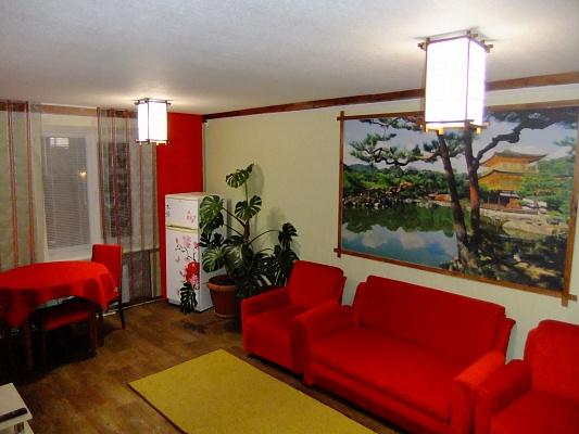 2-комнатная квартира посуточно в Изюме. пр-т Независимости, 29. Фото 1