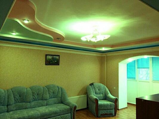1-комнатная квартира посуточно в Житомире. ул. Короленко, 6а. Фото 1