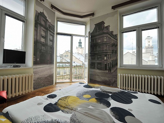 4-комнатная квартира посуточно в Львове. Галицкий район, ул. Братьев Рогатинцев, 10. Фото 1