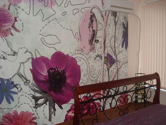 2-комнатная квартира посуточно в Ялте. Кастрополь, ул. Кипарисная, 33. Фото 1