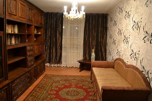 2-комнатная квартира посуточно в Полтаве. Октябрьский район, ул. Фрунзе, 63. Фото 1