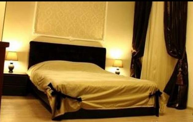 1-комнатная квартира посуточно в Одессе. Приморский район, ул. Дерибасовская, 28. Фото 1