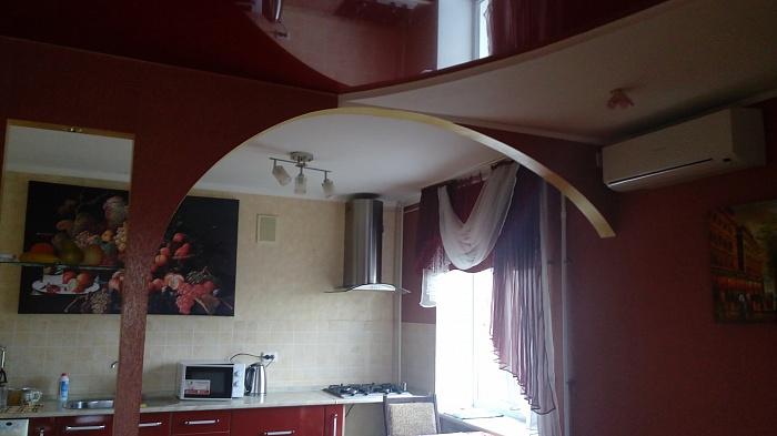 3-комнатная квартира посуточно в Изюме. ул. Георгия Жуковского (Тельмана), 8. Фото 1