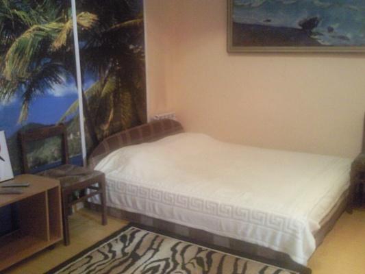 2-комнатная квартира посуточно в Ялте. ул. Чехова, 19. Фото 1