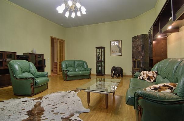 3-комнатная квартира посуточно в Киеве. Печерский район, ул. Лютеранская, 25. Фото 1
