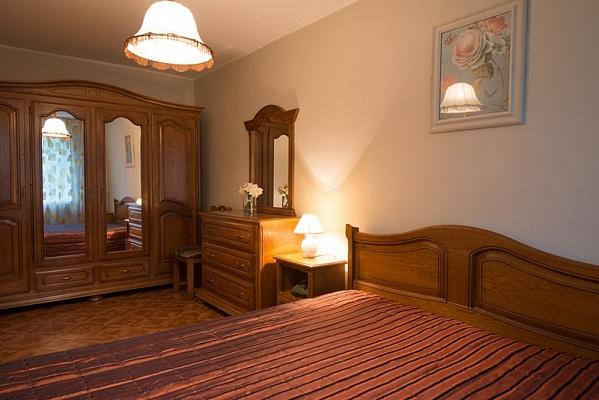 3-комнатная квартира посуточно в Херсоне. Днепровский район, ул. И. Кулика, 114. Фото 1