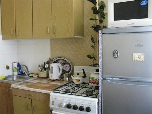 1-комнатная квартира посуточно в Алуште. ул. Платанова, 4. Фото 1