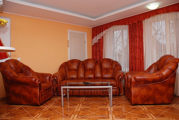 1-комнатная квартира посуточно в Киеве. Оболонский район, ул. Богатырская, 32а. Фото 1