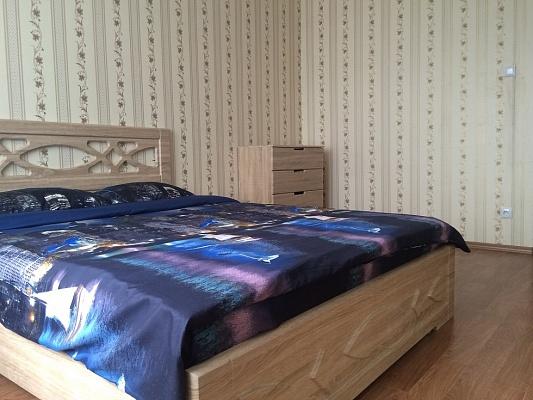 3-комнатная квартира посуточно в Киеве. Дарницкий район, ул. Григория Ващенко, 7. Фото 1