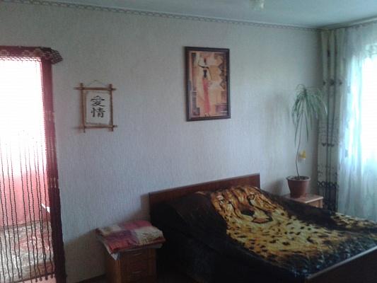 2-комнатная квартира посуточно в Павлограде. ул. Днепровская, 125. Фото 1