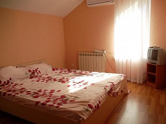 Мини-отель  посуточно в Каролино-Бугазе. ул. Приморская, 7А. Фото 1