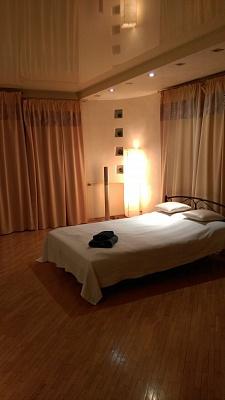 2-комнатная квартира посуточно в Одессе. Приморский район, ул. Белинского, 6Б. Фото 1