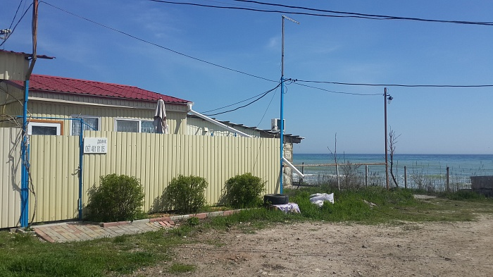 Дом  посуточно в Фонтанке. пгт. Черноморское, Дом рыбака, 19. Фото 1